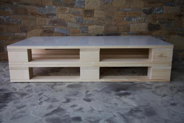 stolík z dvoch paliet