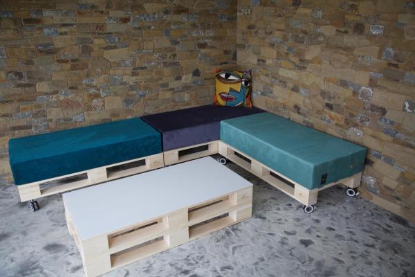 sedenie L + stôl